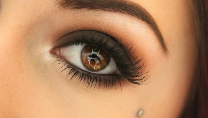 black-smokey-eye-how-to-describe-brown-eyes