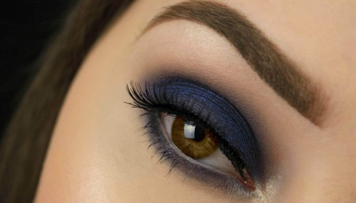 dark-blue-eye-makeup-how-to-describe-brown-eyes